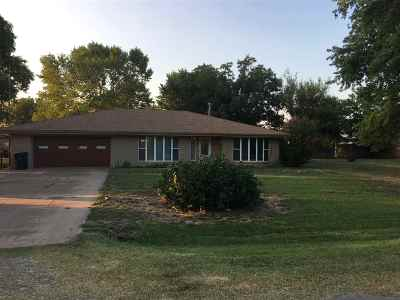 Enid OK Single Family Home For Sale: $199,000