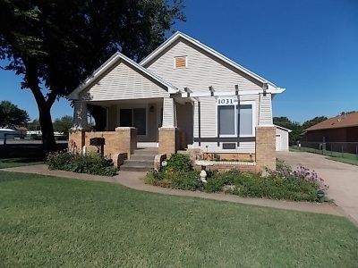 Single Family Home For Sale: 1031 8th