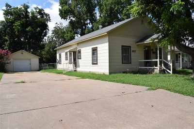 Single Family Home For Sale: 2617 W Cherokee
