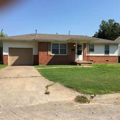 Single Family Home For Sale: 2006 E Cedar