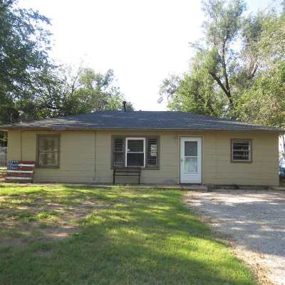 Single Family Home For Sale: 1421 E Park