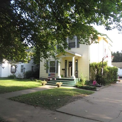 Single Family Home For Sale: 1509 W Cherokee