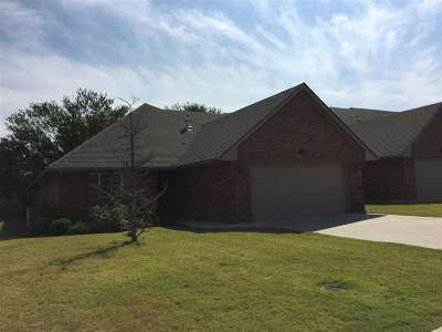 Single Family Home For Sale: 3006 Brook Haven