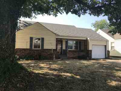 Single Family Home For Sale: 1017 Sunset