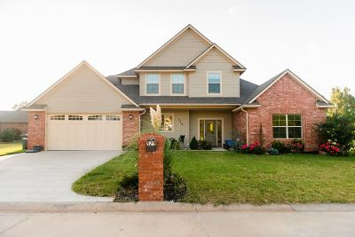 Single Family Home For Sale: 529 Chisholm Creek