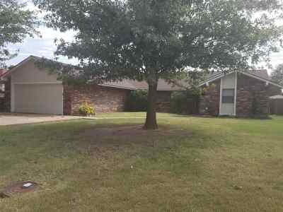 Single Family Home For Sale: 4407 Briarwood Drive