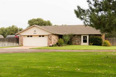 Single Family Home For Sale: 802 Bunny Trail