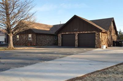 Single Family Home For Sale: 3117 Cheyenne Dr