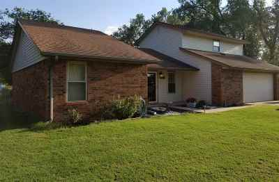 Single Family Home For Sale: 617 Bryan Dr