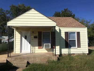 Single Family Home For Sale: 1706 E Oklahoma