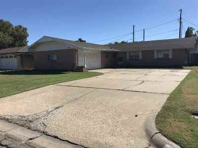 Single Family Home For Sale: 721 W Columbia