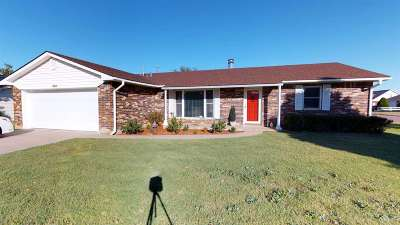 Single Family Home For Sale: 2630 4th St
