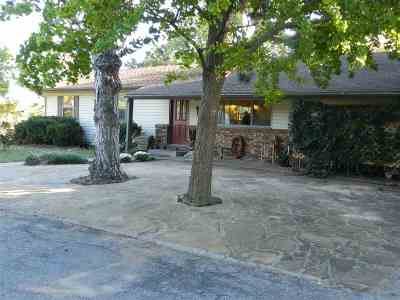 Single Family Home For Sale: 1213 W Phillips