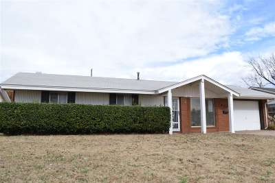 Single Family Home For Sale: 1822 Pawnee