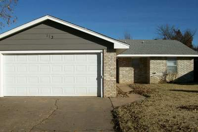 Single Family Home For Sale: 113 N Rimrock
