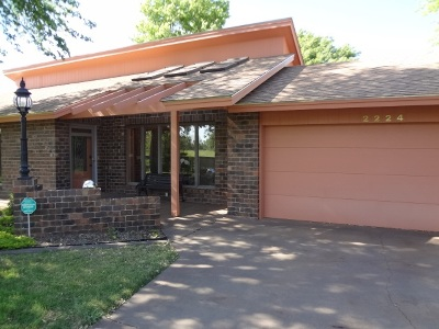 Single Family Home For Sale: 2224 Richmond Rd