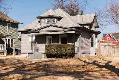Single Family Home For Sale: 1102 W Cherokee