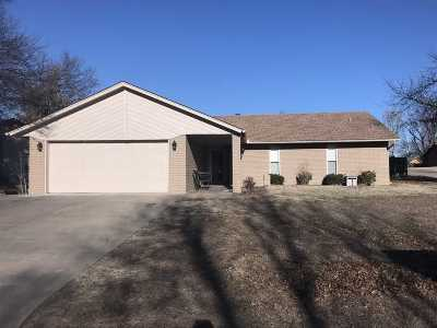 Single Family Home For Sale: 1901 Old Post Rd