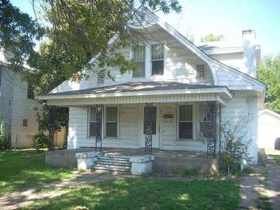 Single Family Home For Sale: 438 S Palm St
