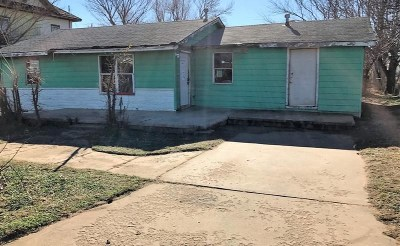 Single Family Home For Sale: 309 E State St