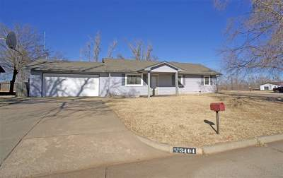 Single Family Home For Sale: 3404 Pawnee Dr