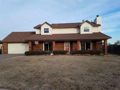 Enid OK Single Family Home For Sale: $184,900