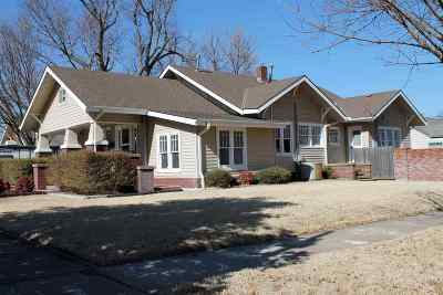 Single Family Home For Sale: 1802 W Cherokee