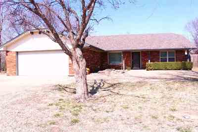 Single Family Home For Sale: 4110 Timberlane