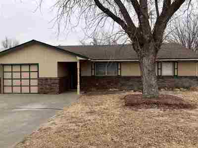 Single Family Home For Sale: 2920 Meadowview