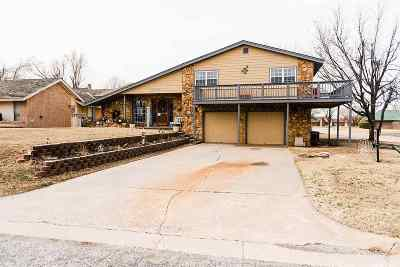 Single Family Home For Sale: 2202 Monitor