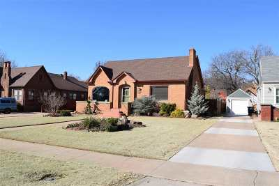 Single Family Home For Sale: 420 S Hayes