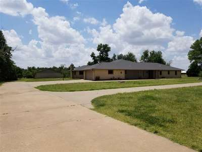 Enid Single Family Home For Sale: 3601 W Carrier Rd
