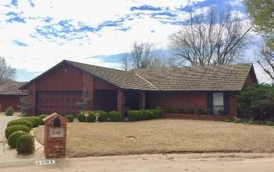 Single Family Home For Sale: 2501 Old Post Rd