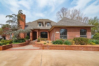 Single Family Home For Sale: 4022 Country Club Drive
