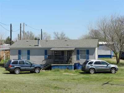 Single Family Home For Sale: 6625 Us Hwy 81
