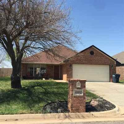 Single Family Home For Sale: 1002 Blue Stem
