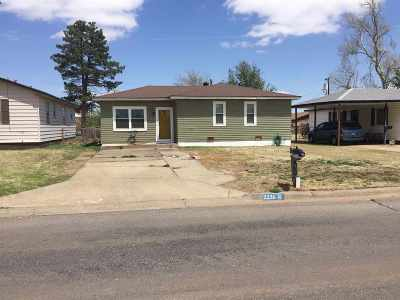 Single Family Home For Sale: 2226 Kansas Ave