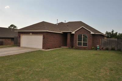 Single Family Home For Sale: 3016 Cheyenne