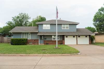 Single Family Home For Sale: 2759 Shirley Dr