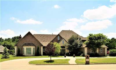 Enid Single Family Home For Sale: 2807 Falcon Crest