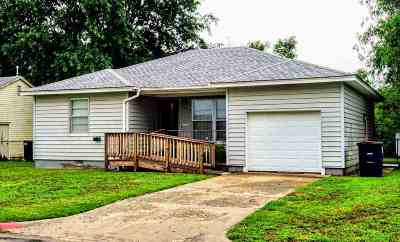 Single Family Home For Sale: 1706 Field Dr