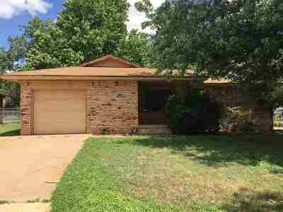 Waukomis Single Family Home For Sale: 616 W Tyrone