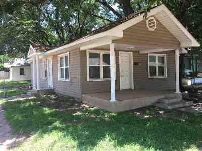 Single Family Home For Sale: 702 N Davis