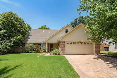 Single Family Home For Sale: 1818 Old Post