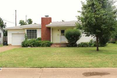 Single Family Home For Sale: 1359 Beverly Dr