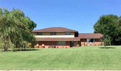 Single Family Home For Sale: 1026 N Oakwood