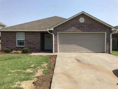 Single Family Home For Sale: 4916 Manchester Dr