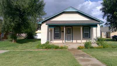 Single Family Home For Sale: 1707 6th St