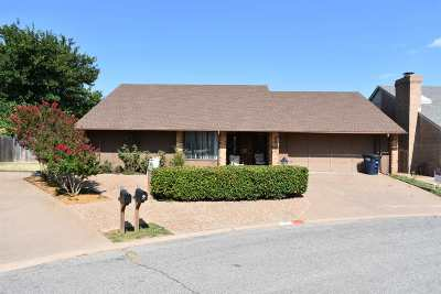 Enid Single Family Home For Sale: 2617 Rosewood Cir