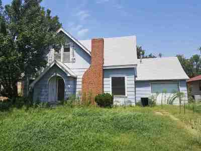 Single Family Home For Sale: 719 E Broadway